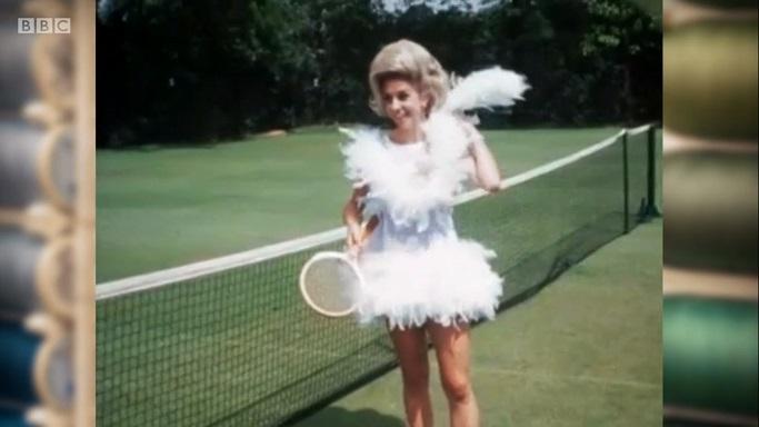 1 feather boa tennis