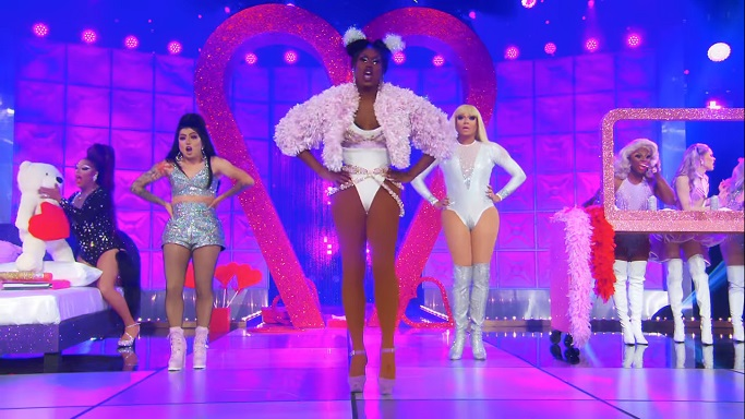 shea performance outfit